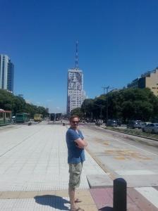 Thomas på Plaza de Mayo