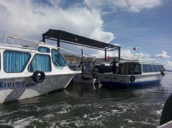 Turistbåter på Titicacasjøen