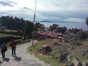 På vei til toppen av Amantani