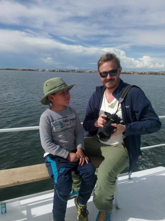 Thomas og Pablo på Titicacasjøen