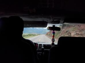 På vei i minibuss fra Cusco til Ollantaytambo