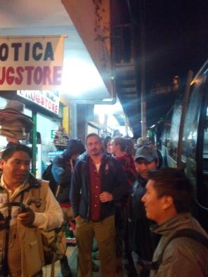 Venter på bussen til Machu Picchu