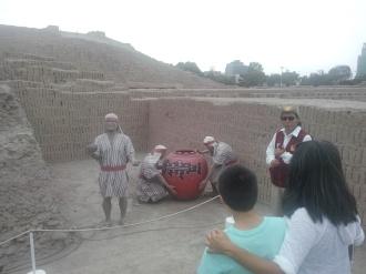 Guidet tur i Huaca Pucllana
