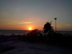 Solnedgangen sett fra hotellrommet vårt