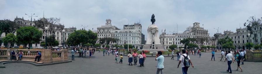 Panorama Plaza San Martin, i sentrum av Lima