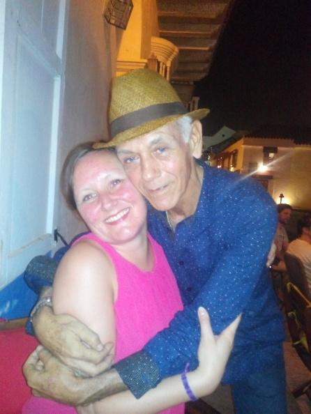 Jeg og den hyggelige stamsted-servitøren vår