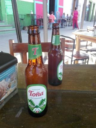 Toña øl