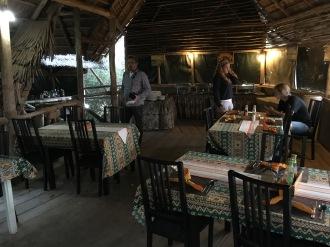 Inni restauranten i Ikoma