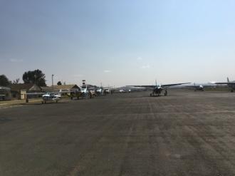 Fly på rullebanen i Arusha