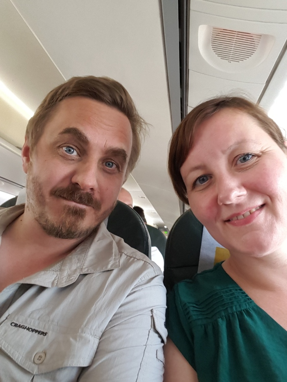 Om bord i flyet mot Zanzibar
